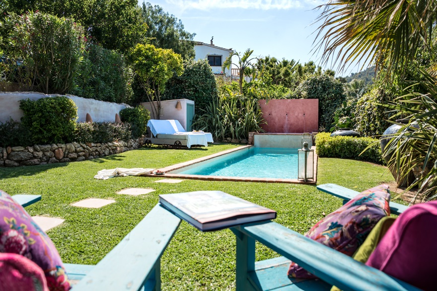 detalle piscina - Encanto rústico y bohemio en una preciosa casa en Jávea, Costa Blanca (Alicante)