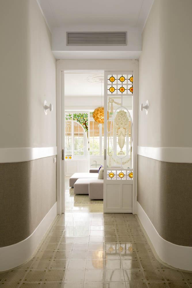 """detalle puertas - Toque """"Art Novou"""" con jardín en una elegante casa modernista en Barcelona"""