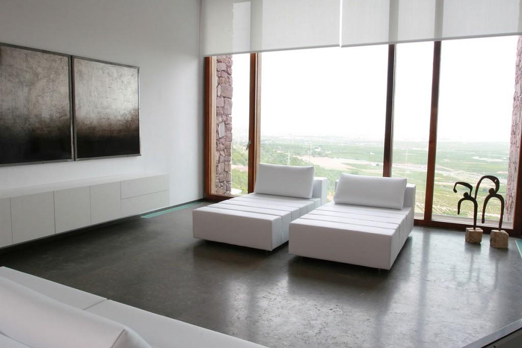 """detalle salon 2 1024x682 - """"Paz y Comedias"""": Piedra, elegancia y armonía en la Sierra de Valencia"""