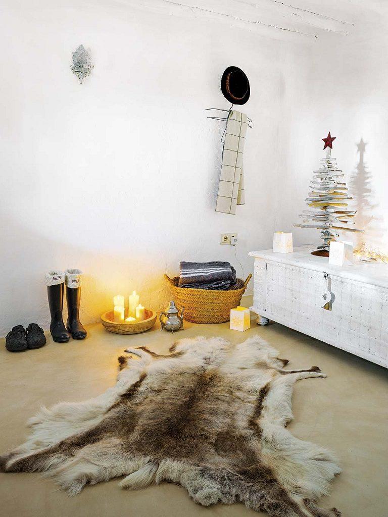 detalle salon 5 768x1024 - Navidad blanca, sutil y nórdica en un cortijo andaluz de ensueño en Málaga