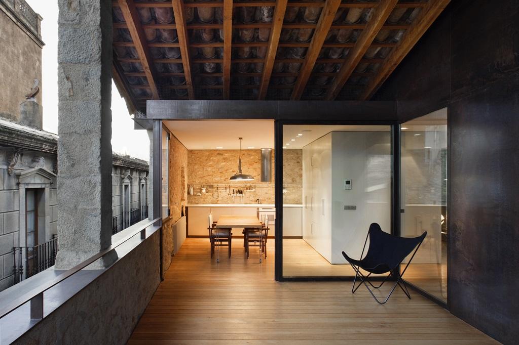 detallecocina1 - Encanto en el Barri Vell de Girona, lo antiguo y lo moderno fundidos a la perfección