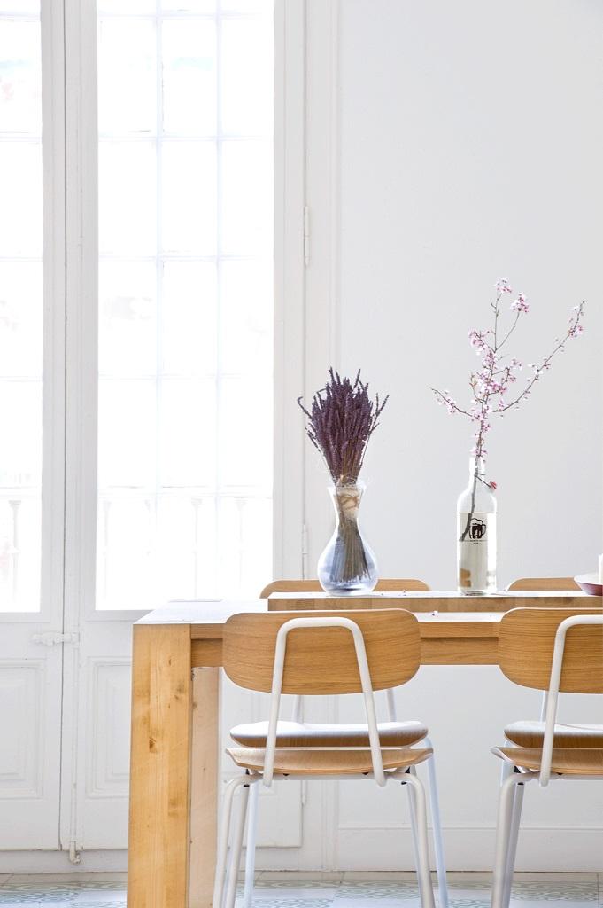 detallecomedor - 75 metros de elegante armonía, amplitud y luz en un apartamento de Barcelona
