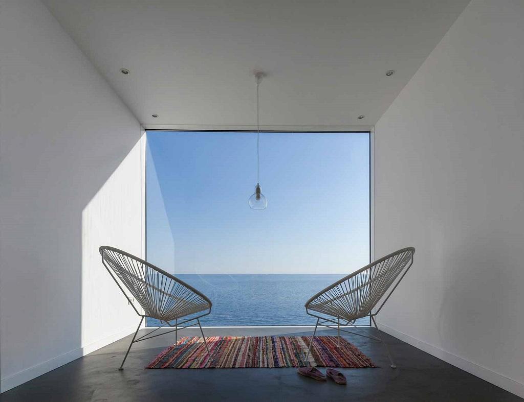 """detalleinterio vistas - """"Casa Girasol"""" en Costa Brava, o las múltiples y geniales vistas entre la montaña y el mar"""