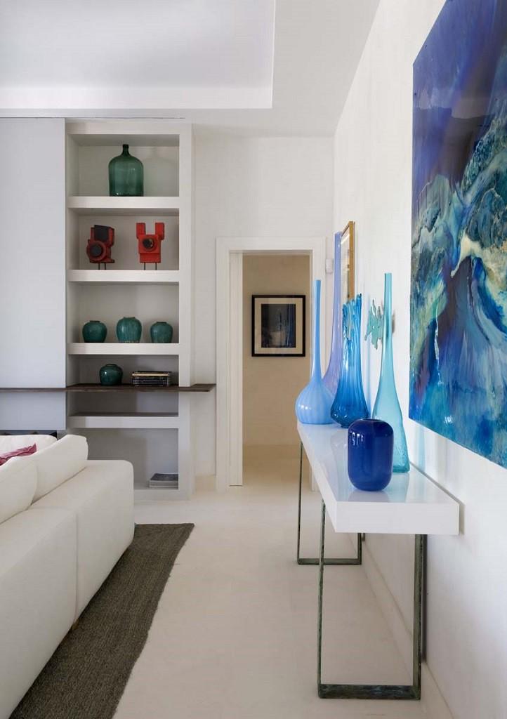 detalleinterior salon 722x1024 - Toque refrescante y ecléctico en una preciosa casa en Sotogrande (Costa de la Luz, Cádiz)