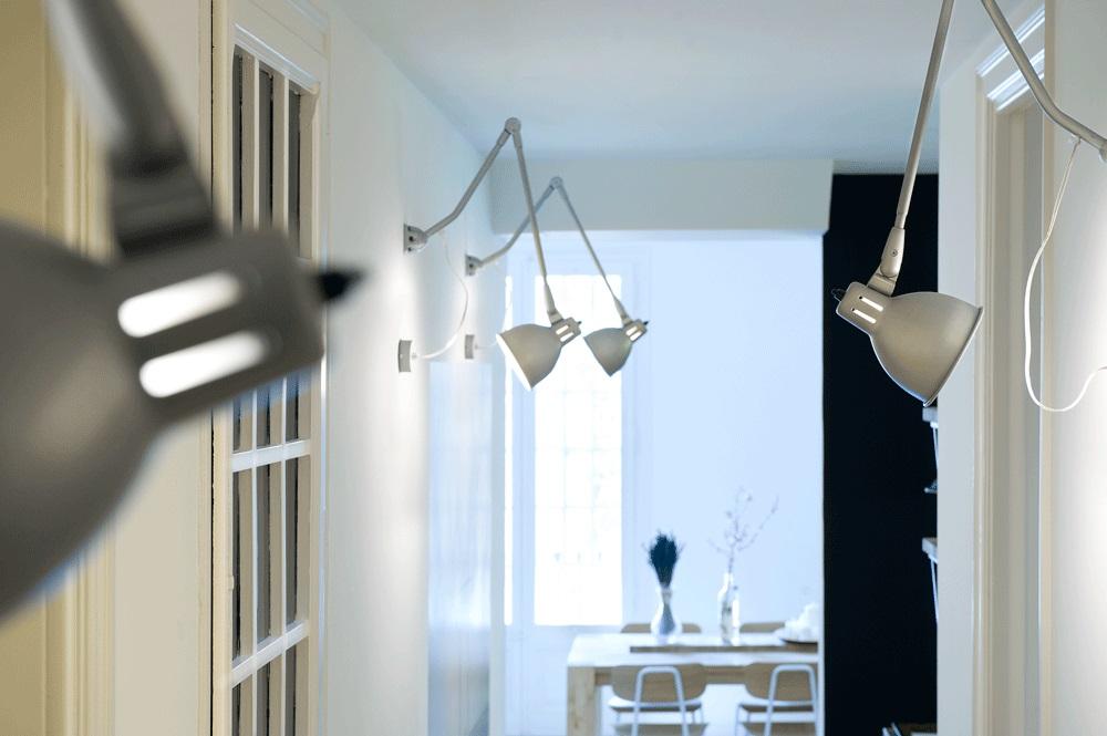 detallepasillo - 75 metros de elegante armonía, amplitud y luz en un apartamento de Barcelona