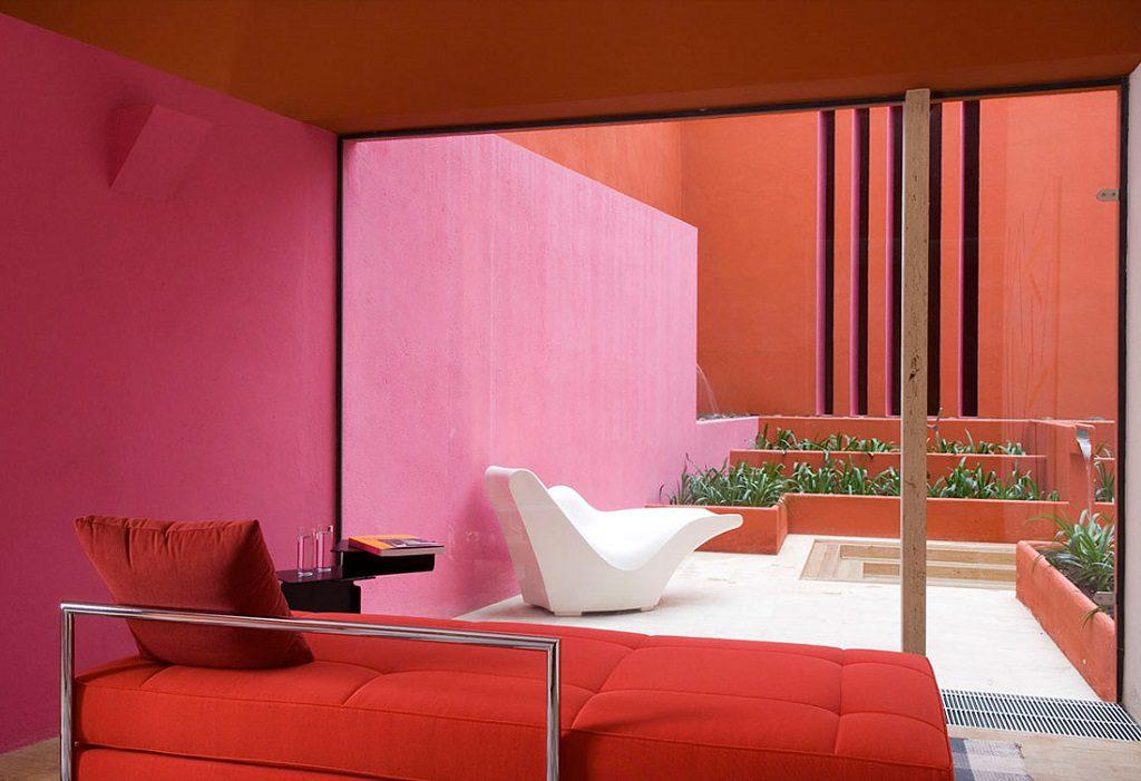 detallepatio 1024x701 - Inspiración, color y elegancia en una preciosa casa en Sotogrande (Costa de la Luz, Cádiz)