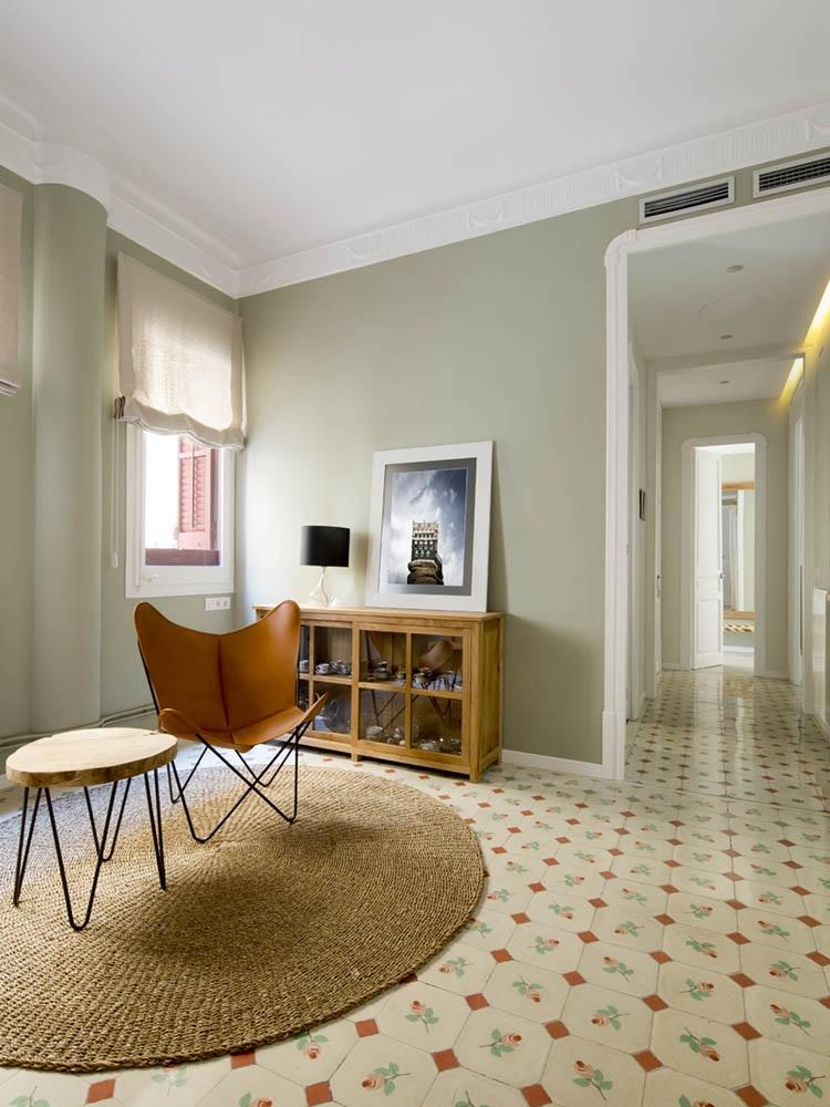 """detallesuelos pasillo - Toque """"Art Novou"""" con jardín en una elegante casa modernista en Barcelona"""