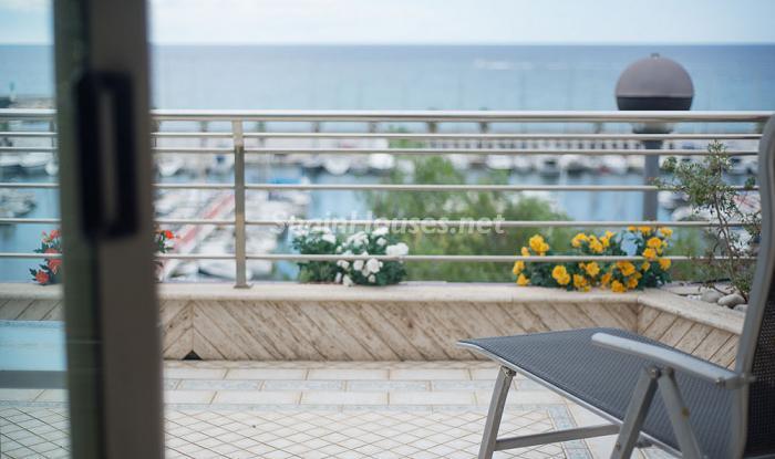 detalleterraza3 - Elegancia, espacio y luz en una fantástica casa en Port d'Aiguadolç, Sitges (Barcelona)