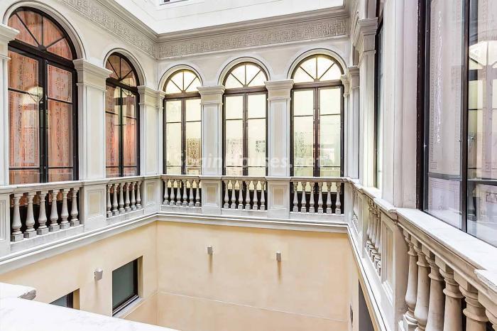 distribucion patiointerior - Precioso piso lleno de detalles, elegancia y lujo en el Eixample de Barcelona