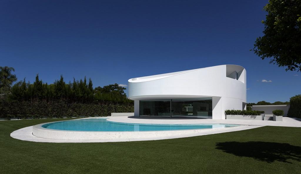 diurna - Espectacular casa de diseño elíptico en el campo de golf de Bétera, Valencia