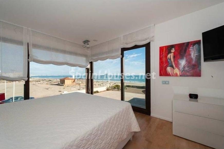 dormitorio 10 - Lujo entre dos mares: Casa en primerísima línea de playa en La Manga del Mar Menor (Murcia)