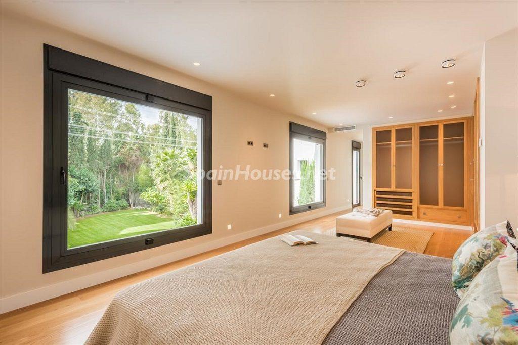 dormitorio 19 1024x683 - Fantástica villa escondida entre los campos de golf de Nueva Andalucía, Marbella (Málaga)