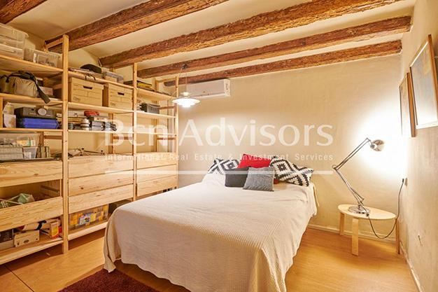 dormitorio 2 barcelona - Este amplio apartamento con piscina en Barcelona es ideal para descansar y disfrutar de la ciudad