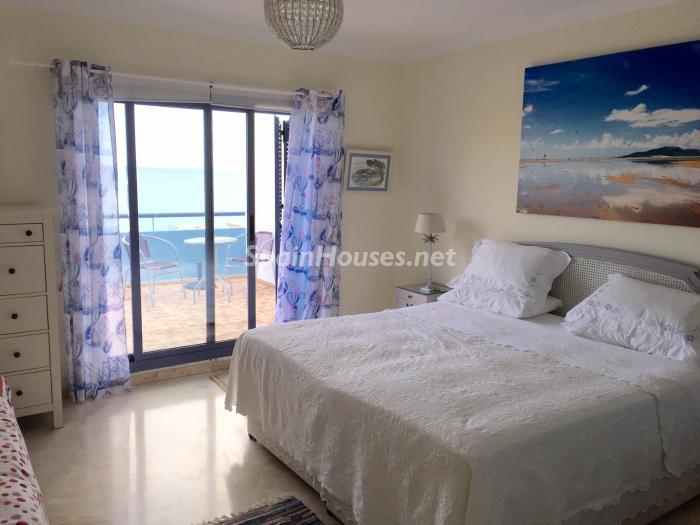 dormitorio 2 - Chalet en alquiler en primera línea de golf y mar en Alcaidesa (Costa de la Luz, Cádiz)