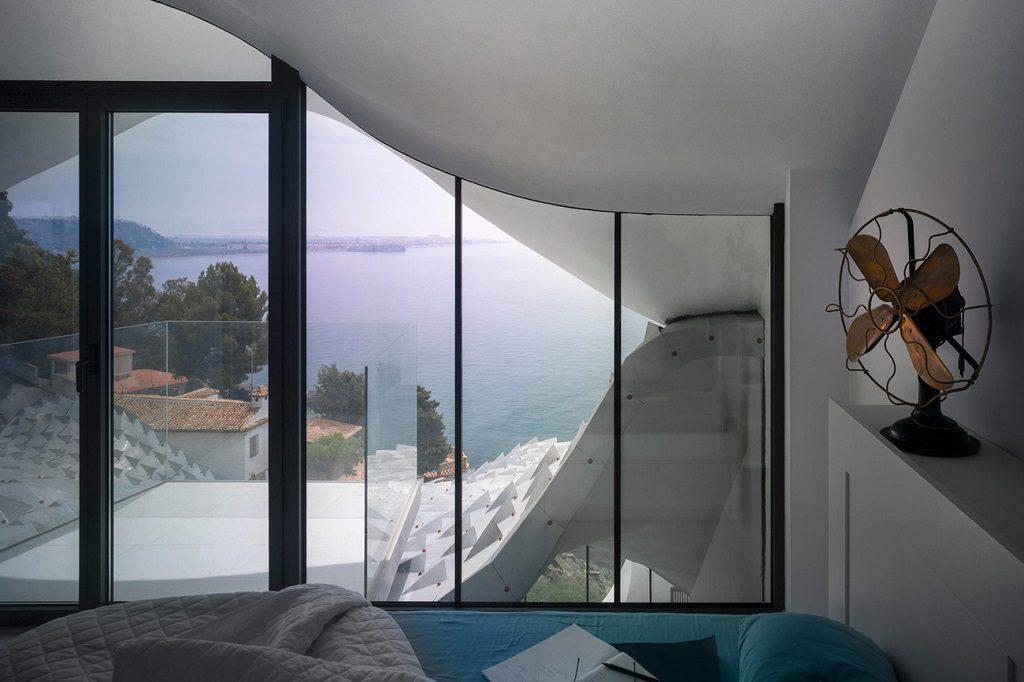 dormitorio 34 1024x682 - Casa modernista en Salobreña (Granada) o dragón imponente que se asoma al mar