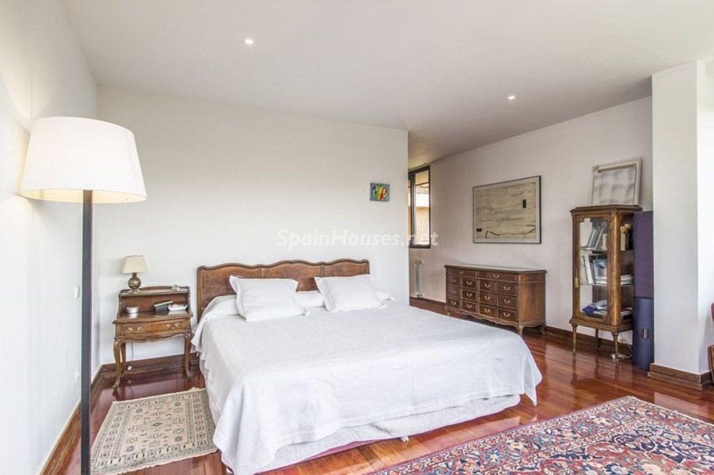 dormitorio 35 1024x681 - Precioso chalet en Boadilla del Monte: un remanso de paz a solo 16 km de Madrid