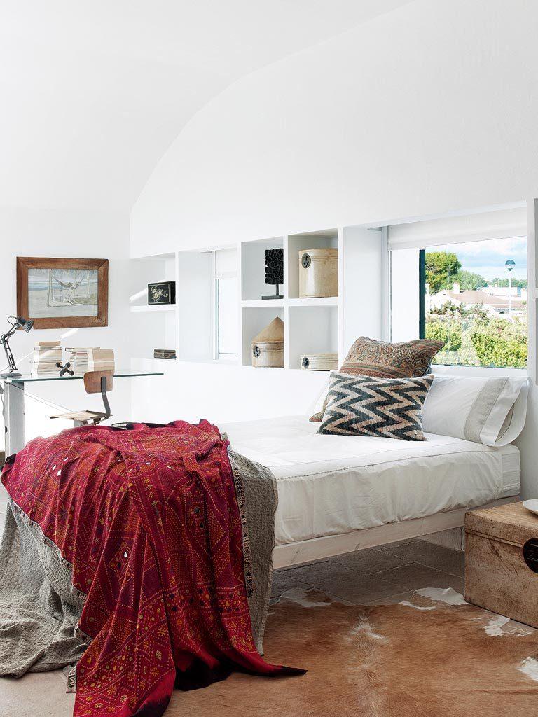 dormitorio 42 768x1024 - Un precioso de refugio otoñal en una casa llena de luz en Menorca (Baleares)