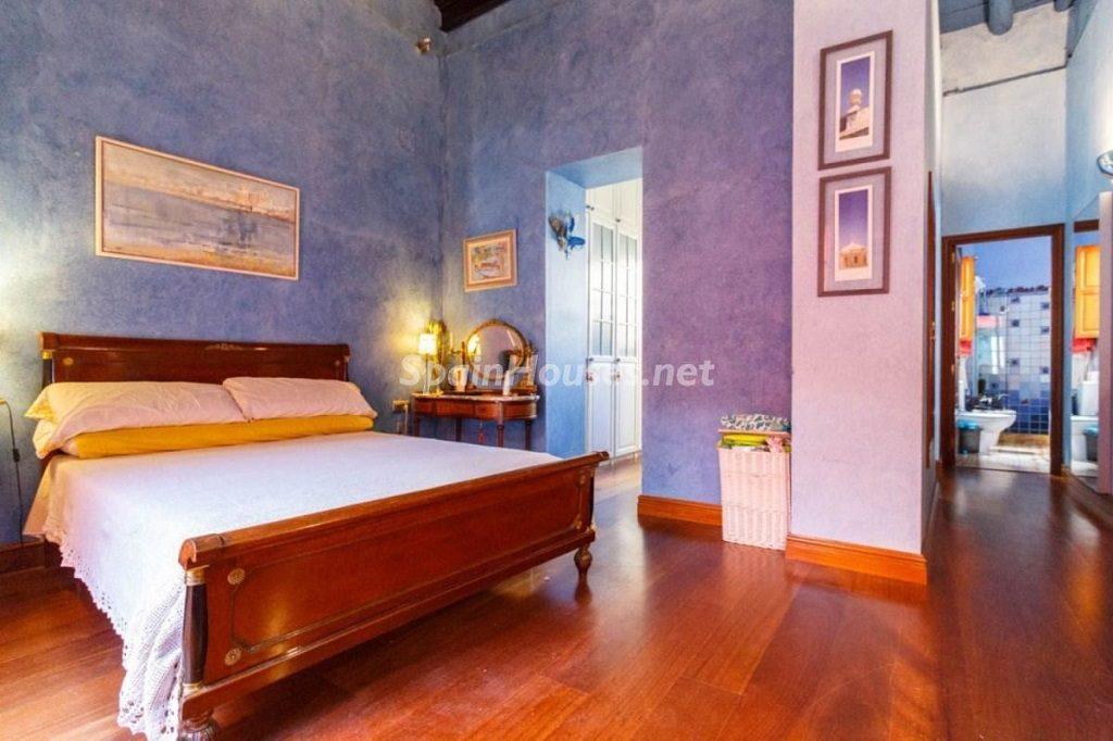 dormitorio 47 1024x682 - Color tierras florentinas y sabor urbano en una casa en el Casco Antiguo de Sevilla