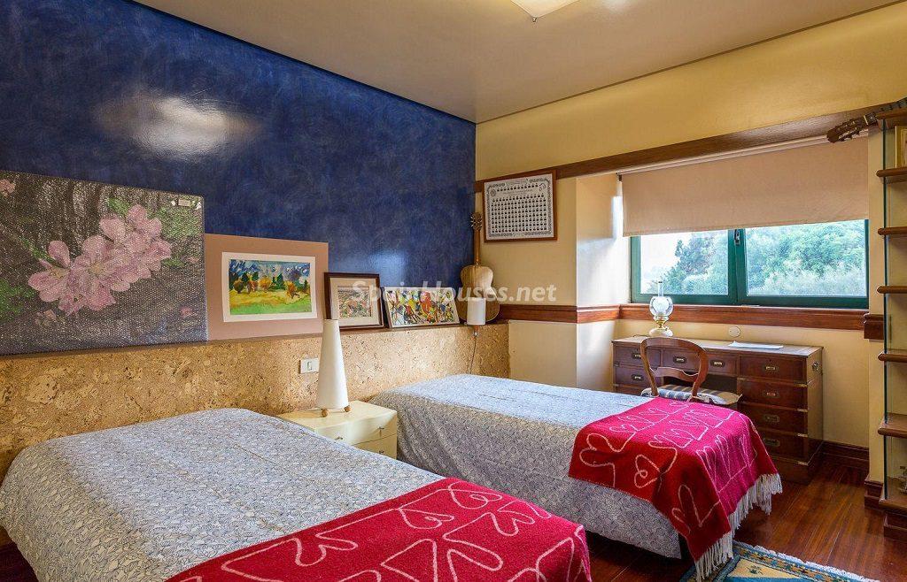 dormitorio 51 1024x658 - Lujosa serenidad clásica en una espectacular casa en Las Palmas de Gran Canaria