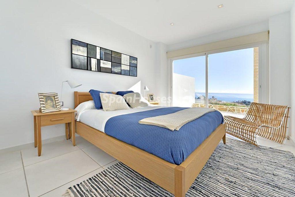 dormitorio 56 1024x683 - Precioso toque nórdico a estrenar con vistas al mar en Benalmádena (Costa del Sol, Málaga)