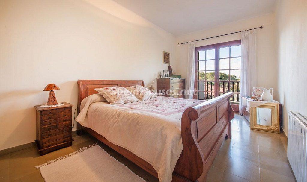 dormitorio 62 1024x608 - Preciosa casa rústica entre viñedos y naturaleza en el Bajo Penedés, Tarragona