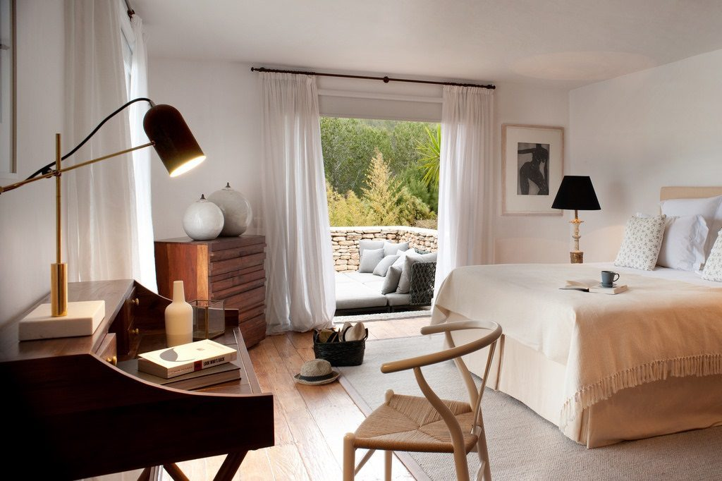 dormitorio 63 1024x682 - Casa rústica y moderna en Ibiza (Baleares): diseño mediterráneo que enamora