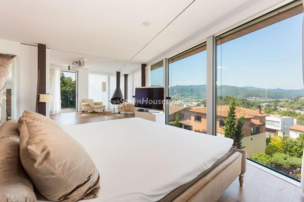 dormitorio 88 1024x682 - Chalet en la Sierra de Collserola (Barcelona): lujo y diseño para disfrutar