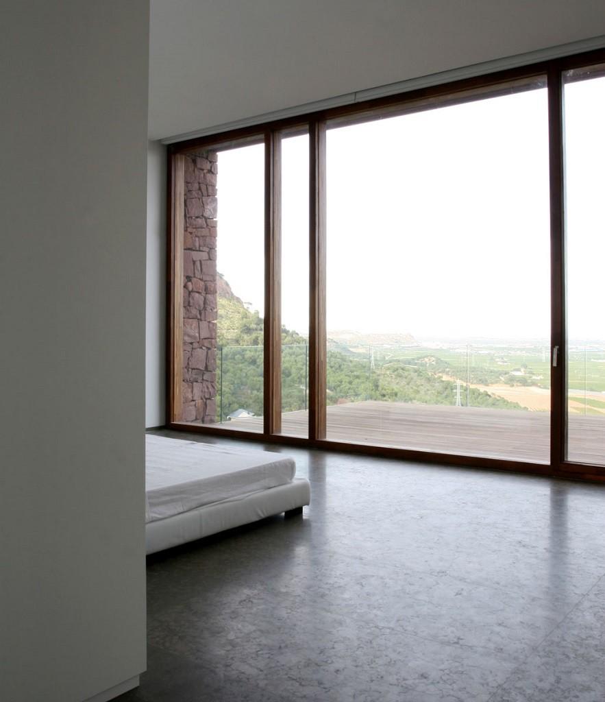 """dormitorio 9 883x1024 - """"Paz y Comedias"""": Piedra, elegancia y armonía en la Sierra de Valencia"""