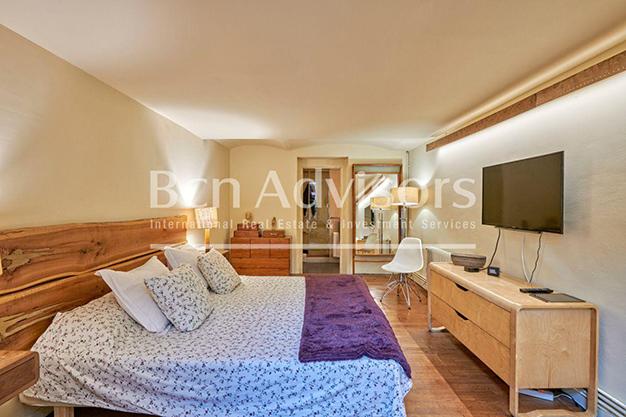 dormitorio barcelona - Este amplio apartamento con piscina en Barcelona es ideal para descansar y disfrutar de la ciudad