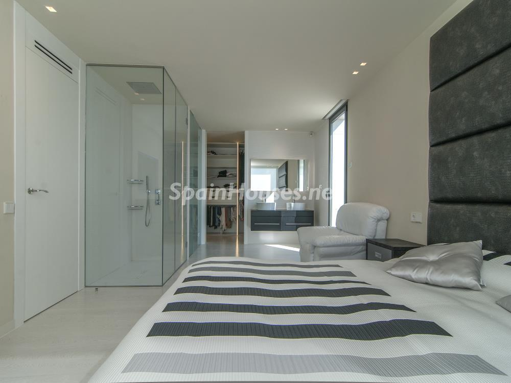 dormitorio interior - Casa minimalista transparente, diáfana y abierta al mar en Castelldefels (Barcelona)