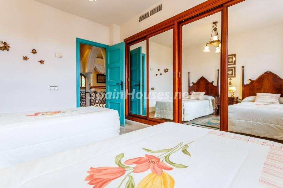 dormitorio1 12 - Estilo mudéjar lleno de encanto en un espectacular chalet en el Aljarafe de Sevilla