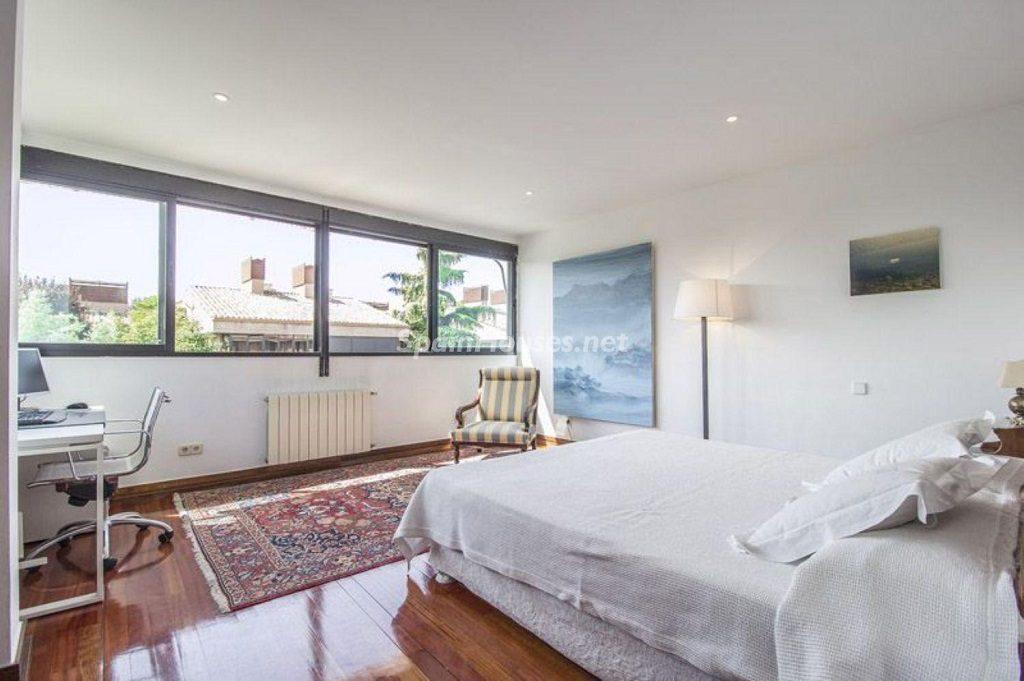 dormitorio1 24 1024x681 - Precioso chalet en Boadilla del Monte: un remanso de paz a solo 16 km de Madrid