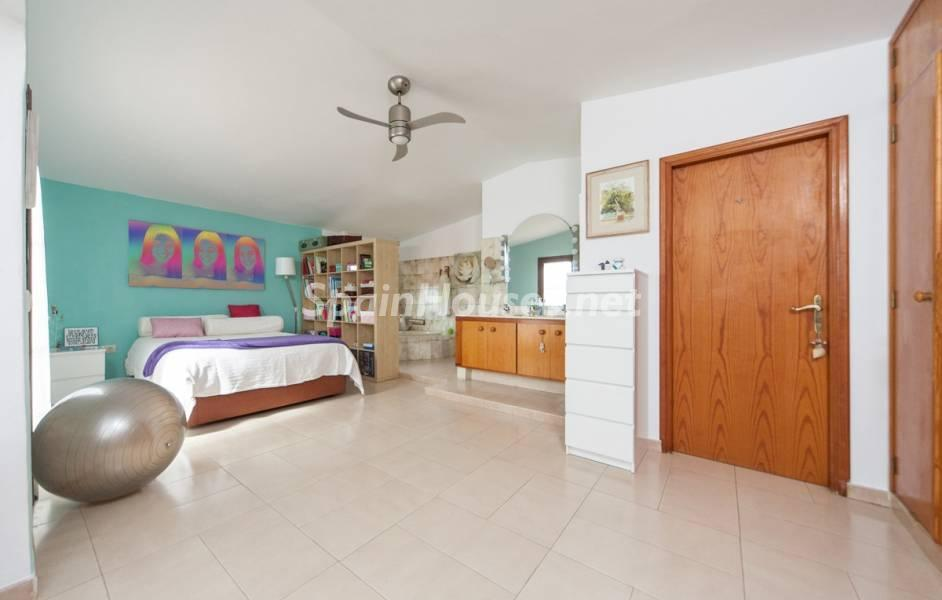 dormitorio1 25 - Sabor canario en una fantástica casa con piscina y jardin en Arona (Tenerife)