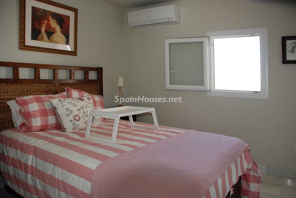 dormitorio1 29 1024x685 - Ático en alquiler de vacaciones en Cádiz, ideal para el puente o el carnaval