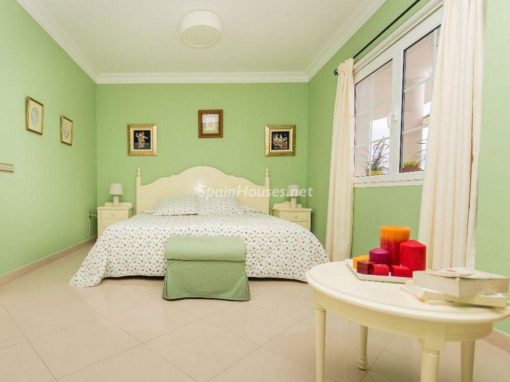 dormitorio1 40 1024x768 - Costa Teguise (Lanzarote, Las Palmas): Escapada de invierno al sol de Canarias