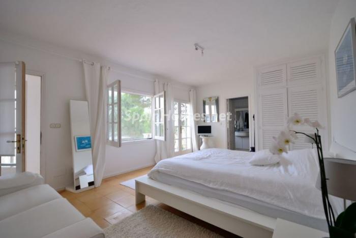 dormitorio119 - Serena y romántica villa en primera línea de mar en Cala Vadella, Ibiza