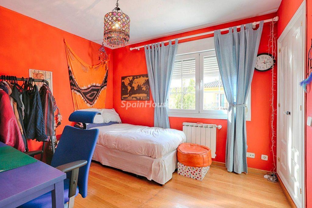dormitorio2 13 1024x682 - Cálido y familiar chalet en Encinar de los Reyes, La Moraleja (Alcobendas, Madrid)