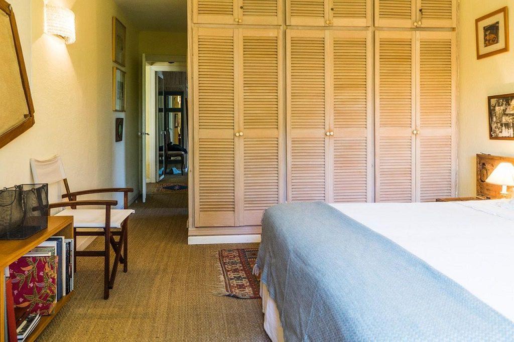 dormitorio2 21 1024x682 - Acogedora casa con jardín y piscina en Cancelada, Estepona (Málaga)