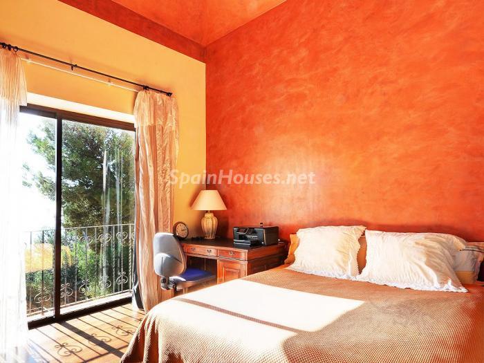 dormitorio2 5 - Elegante y serena villa en Marbella (Costa del Sol), con vistas al mar y piscina cubierta