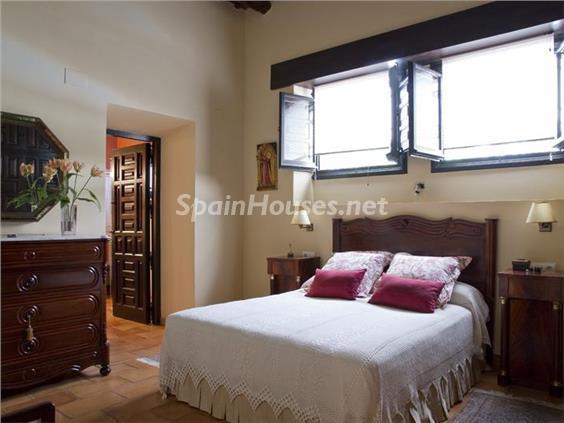 dormitorio5 - Casa de la Semana: Preciosa casa de estilo medieval en Vilafortuny, Cambrils (Tarragona)