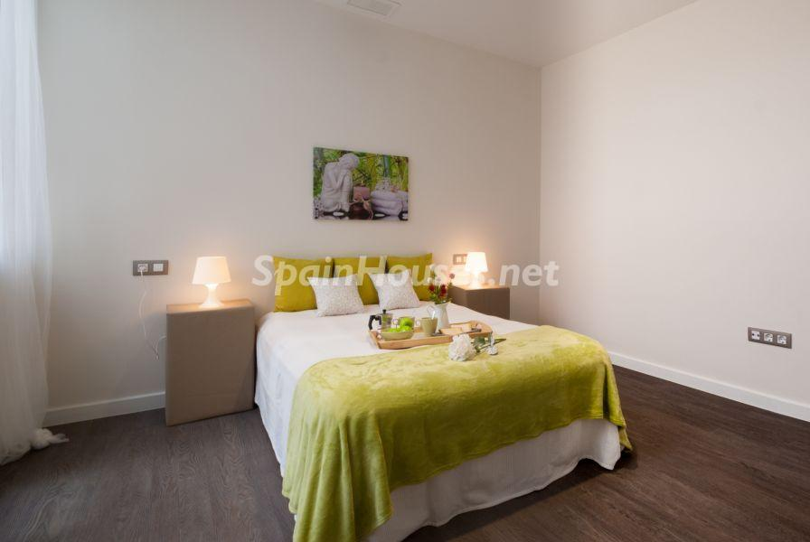 dormitorioprincipal 3 - Home Staging de detalles cálidos en un bonito piso reformado en Cádiz capital