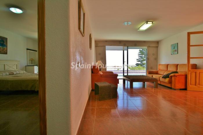 dormitorioysalon - Gran chalet de 6 dormitorios con vistas a la Isla de San Andrés, Carboneras (Almería)