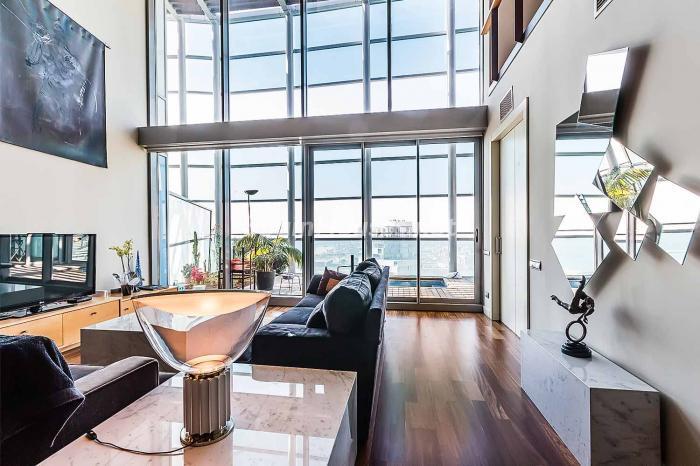 duplexatico barcelona - 17 fantásticas viviendas llenas de luz, amplitud y decoración moderna cerca del mar