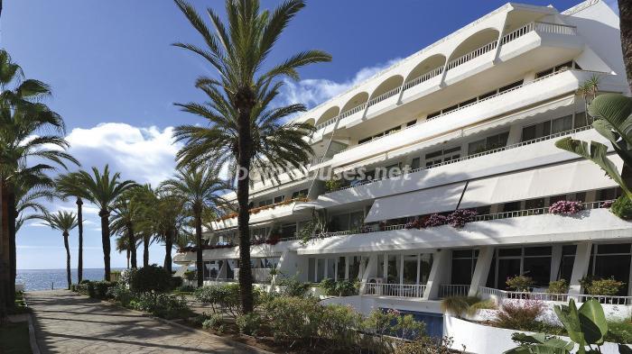 edificio 1 - Precioso apartamento con decoración elegante y serena junto al mar en Marbella