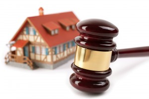ejecucioneshipotecarias 300x199 - Las ejecuciones hipotecarias sobre viviendas habituales aumentan un 1,5%