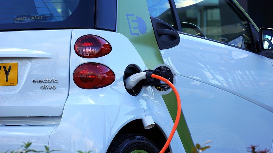 electric car 1458836 960 720 - Cargar tu coche eléctrico en casa ya es posible