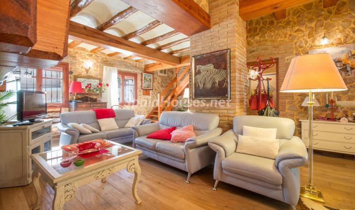 elperello tarragona - 22 fantásticas casas de piedra, masías catalanas y villas mallorquinas para enamorar