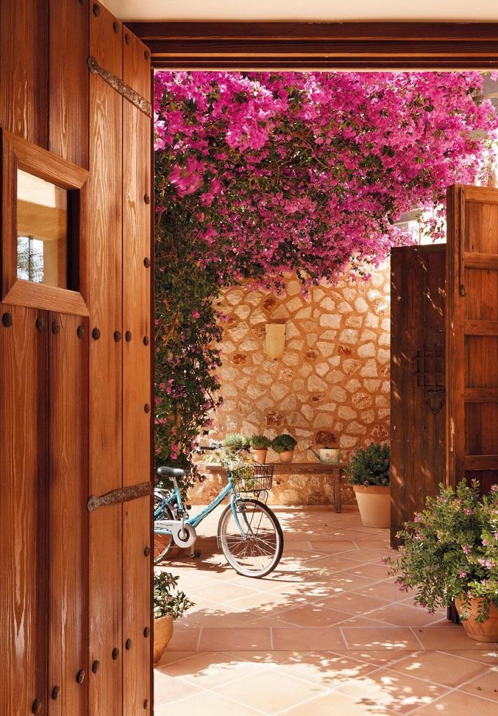 entrada patio - Paraíso de luz y buganvillas en una preciosa casa en Santanyí (Mallorca, Baleares)