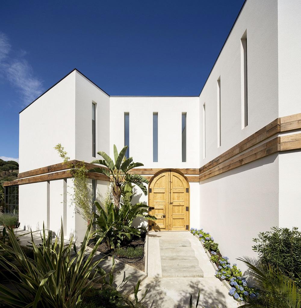 entrada19 - Fantástica casa llena de luz y elegante sencillez en Badalona (Barcelona)