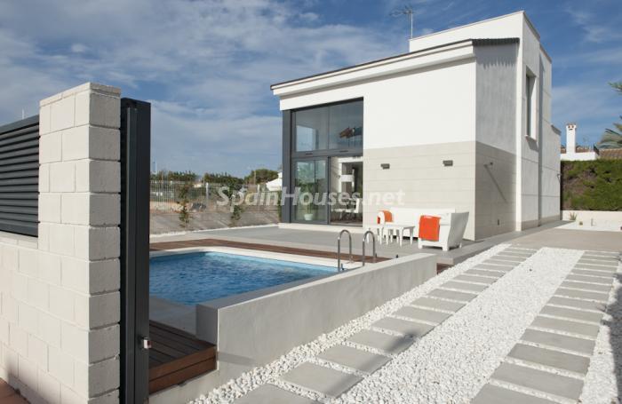 entrada26 - Coqueto y moderno chalet de diseño en Santiago de la Ribera (Costa Cálida, Murcia)